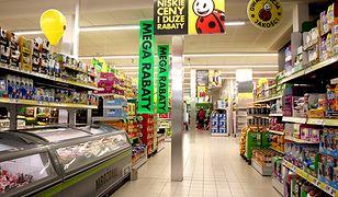 W całej Polsce 5 sklepów sieci Biedronka będzie czynna w niedzielę. Zakaz ominie także Żabkę, jeśli właściciel stanie za kasą