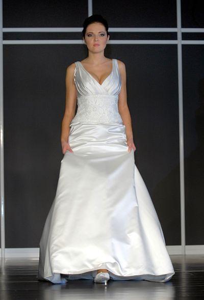 3654748c85 Wybierz swój model... - Suknia ślubna na ramiączkach - WP Kobieta