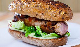 Zapomnij o niezdrowym fast foodzie. Przygotuj domowe hot-dogi w 3 odsłonach