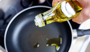 Dobry olej do smażenia musi się charakteryzować wysoką temperaturą dymienia.