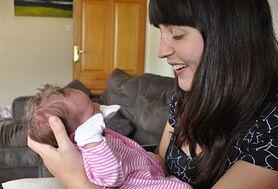 Kontakt z rodzicami ma niesamowity wpływ na rozwój niemowlęcia