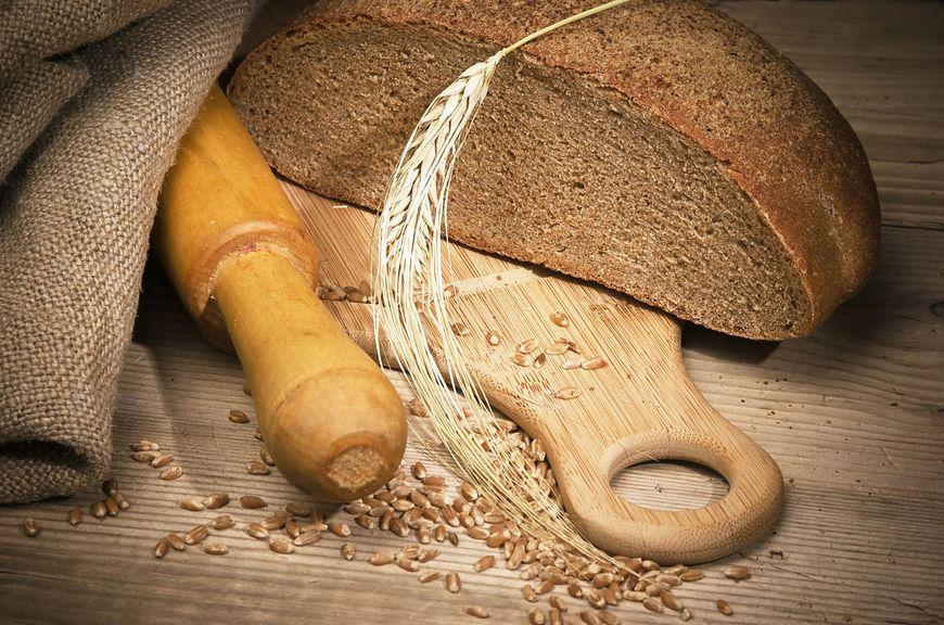 Chleb żytni jest mniej popularny niż pszenny