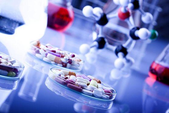Metody farmakologiczne to nie jedyne rozwiązanie. Poznaj wszystkie sposoby leczenia pacjentów chorujących na przewlekłą białaczkę szpikową