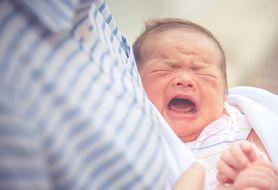 Z czego mogą wynikać problemy ze snem u niemowlęcia?
