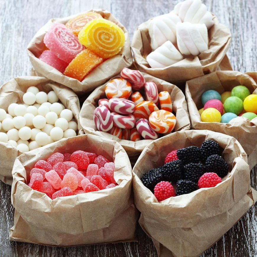 Po zjedzeniu czegoś słodkiego podnosi się w organizmie poziom hormonu szczęścia, czyli serotoniny
