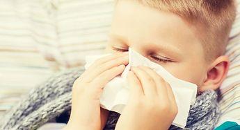 Naturalne sposoby na kaszel i ból gardła u dziecka