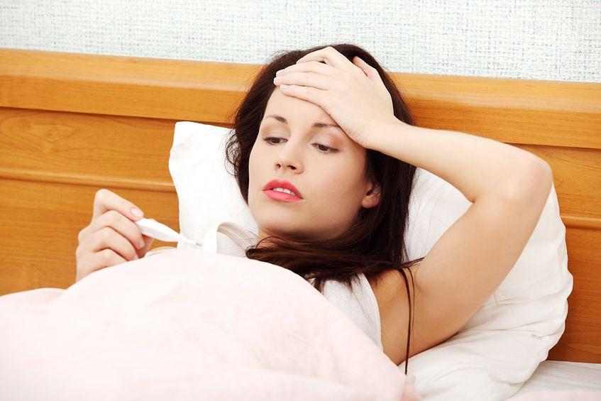 Długo utrzymująca się temperatura może być objawem ciąży