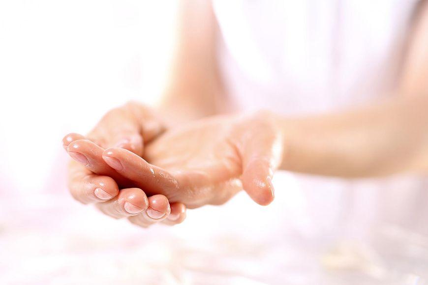 Olejek dla skóry przetłuszczającej się