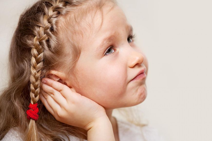 bolące ucho