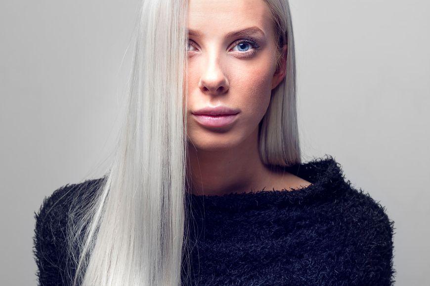Siwe włosy to sygnał od organizmu