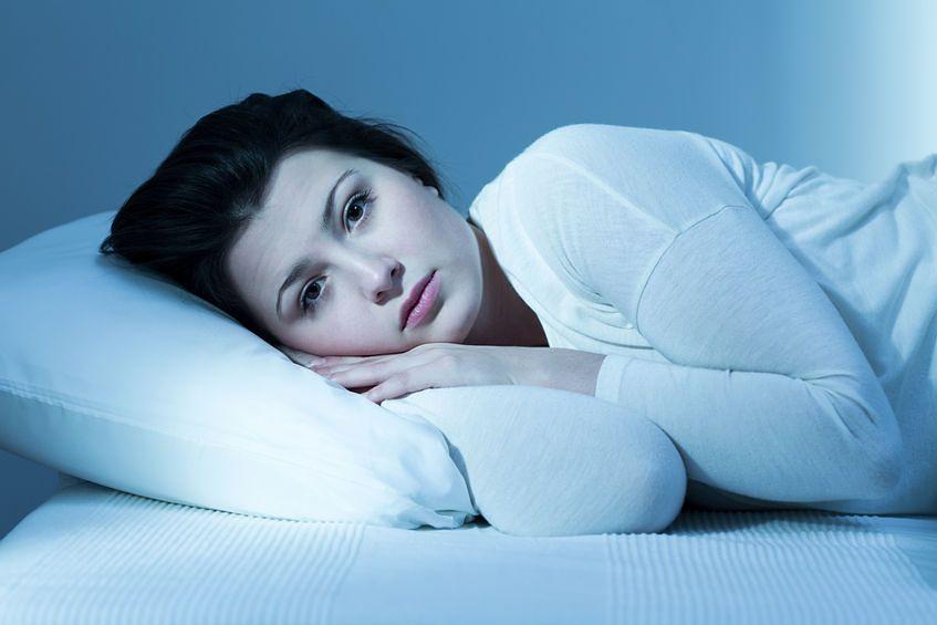 Bezsenność może być powodowana niedoborami witamin i minerałów