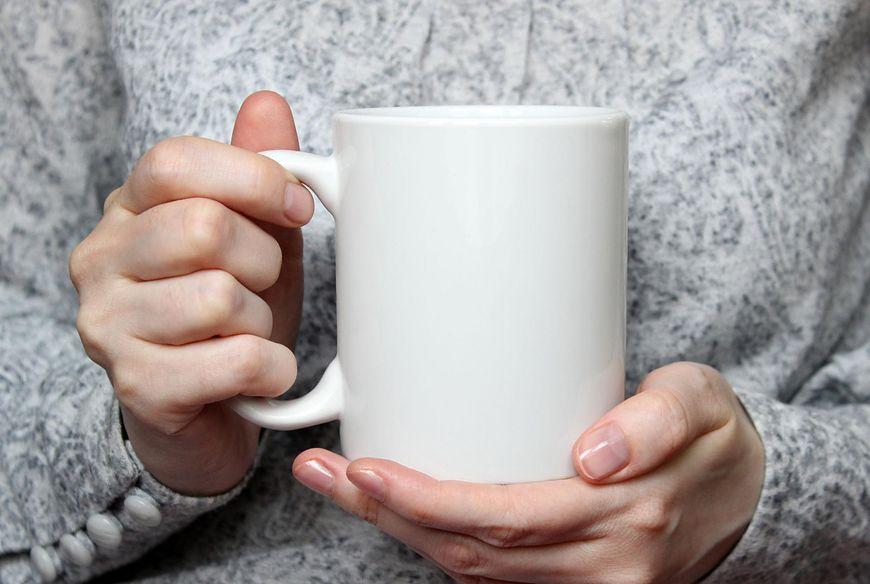 Drżenia rąk doświadcza prawie każdy z nas
