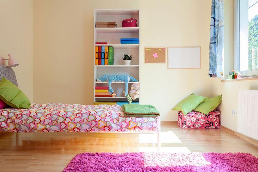 Miękki dywan w pokoju dziecka