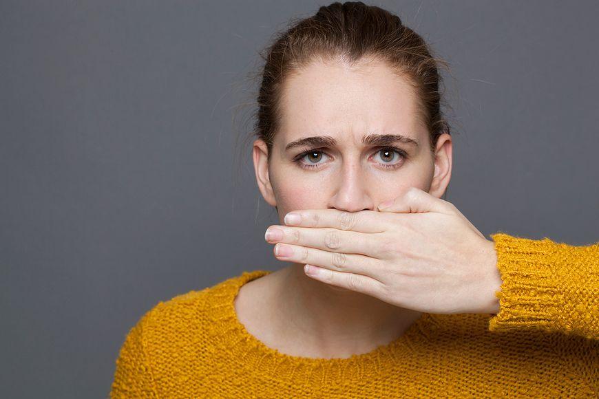 Nieprzyjemny zapach z ust to też efekt zbyt dużej ilości mięsa