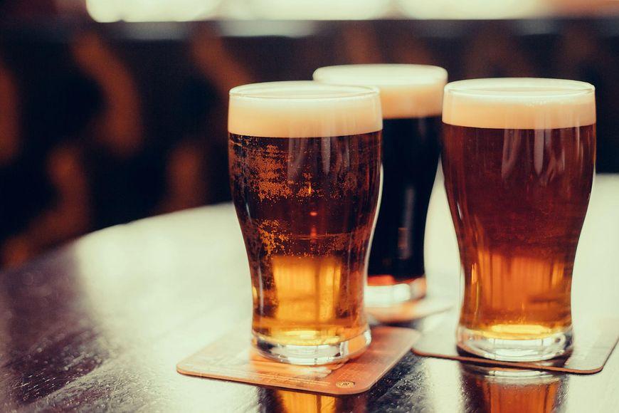 Piwo i alkohol również przyczyniają się do rozwoju komórek rakowych