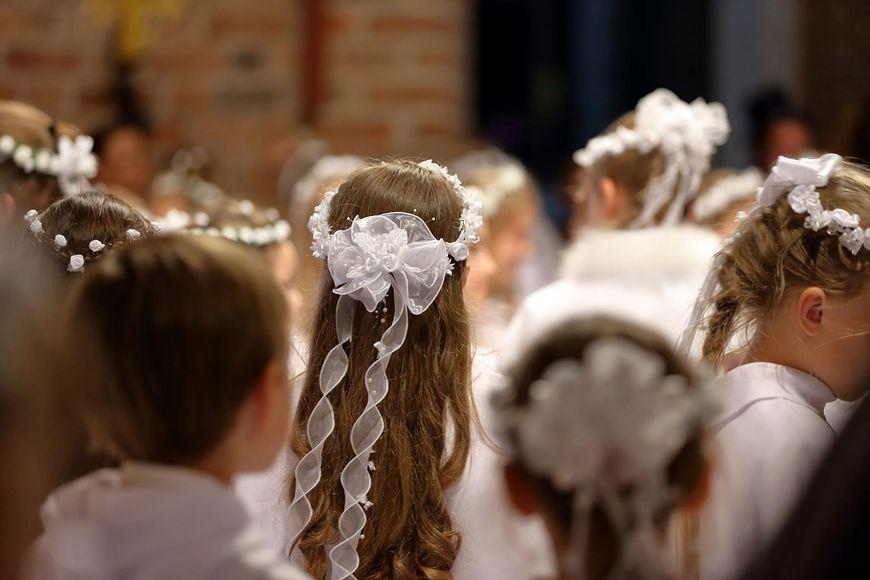 123rf.com Komunia to uroczystość religijna, której towarzyszą wyjątkowe prezenty