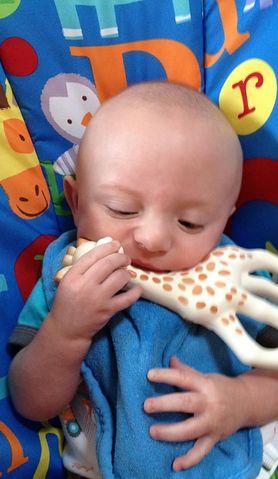 Ząbkowanie przebiegnie łatwiej, jeżeli dziecko będzie miało odpowiedni gryzaczek