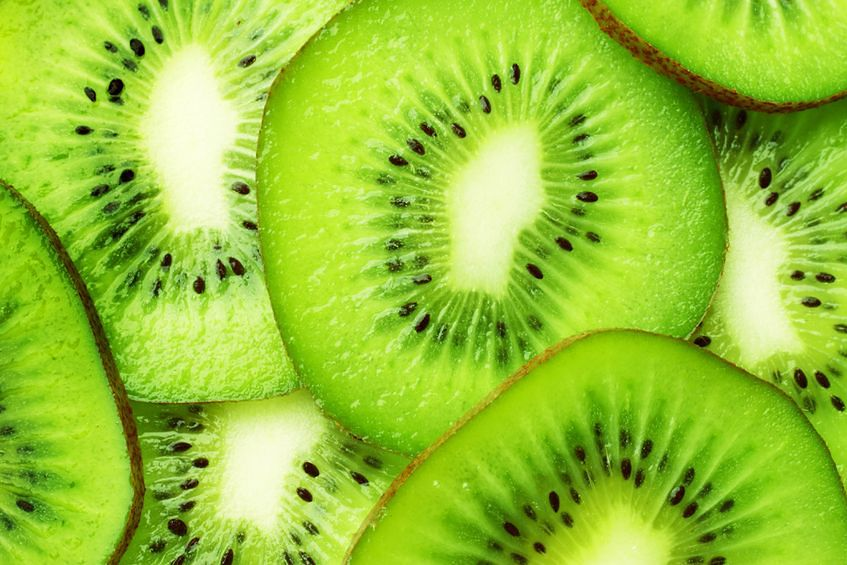 Kiwi - 59 mg witaminy C w 100 g produktu