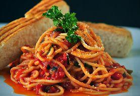 Pomidorowo-szpinakowy makaron dla wegan