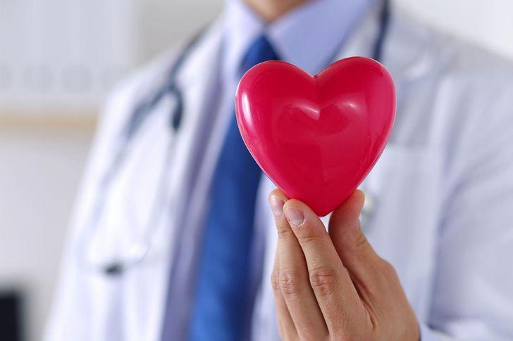 Sygnały świadczące o problemach z sercem. Ignorowanie może skończyć się zawałem