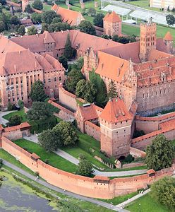 Parking w Malborku najdroższy w Polsce. Turyści nie kryją oburzenia