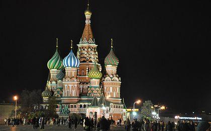 Słaby rubel i kryzys zmuszą Rosjan do spędzenia świąt w domu