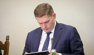 Bartosz Kownacki skomentował mema, którego zamieścił podczas prac komisji śledczej ds. Amber Gold