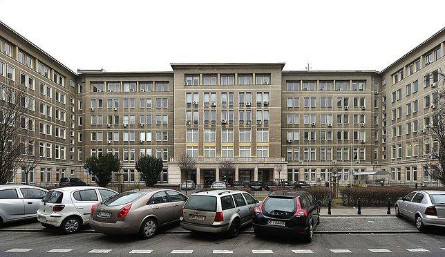 Gmach Ministerstwa Nauki i Szkolnictwa Wyższego od ul. Hożej