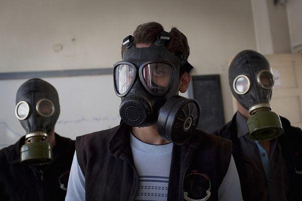 Kolejny atak w Syrii z użyciem broni chemicznej? Pokazano wideo z żółto-zielonymi oparami
