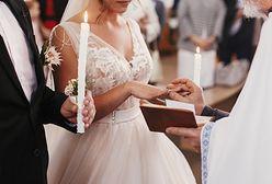 Niespodzianki czekające w ślubnych kopertach: od pociętych gazet do 1000 zł