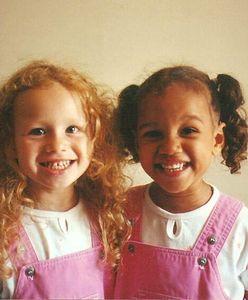 Nie uwierzycie, że są bliźniaczkami. Ich najnowsze zdjęcia podbijają sieć