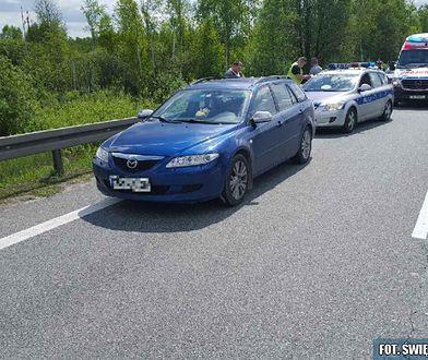 """24-latka potrąciła policjanta i przez kilkanaście kilometrów """"wiozła"""" go na masce samochodu"""