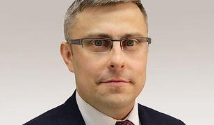Jarosław Wieczorek czuje się dobrze i pracuje zdalnie.