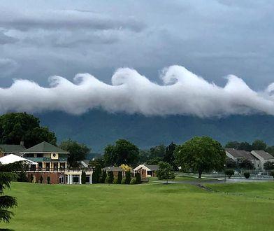 Widok ten można było ujrzeć nad jeziorem Smith Mountain w Virginii