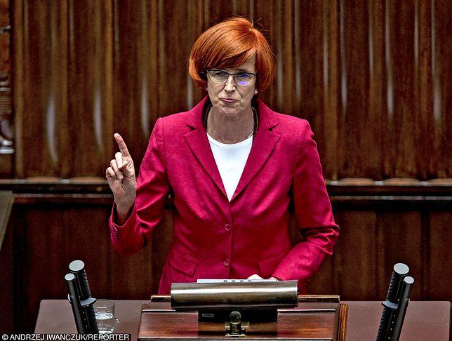 Sejm przyjął projekt ws. renty socjalnej przygotowany w ministerstwie Elżbiety Rafalskiej