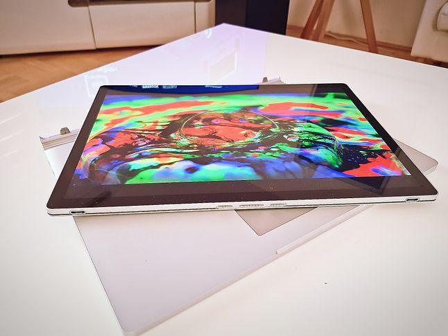 Surface Book 3 w trybie tabletu, fot. Jakub Krawczyński