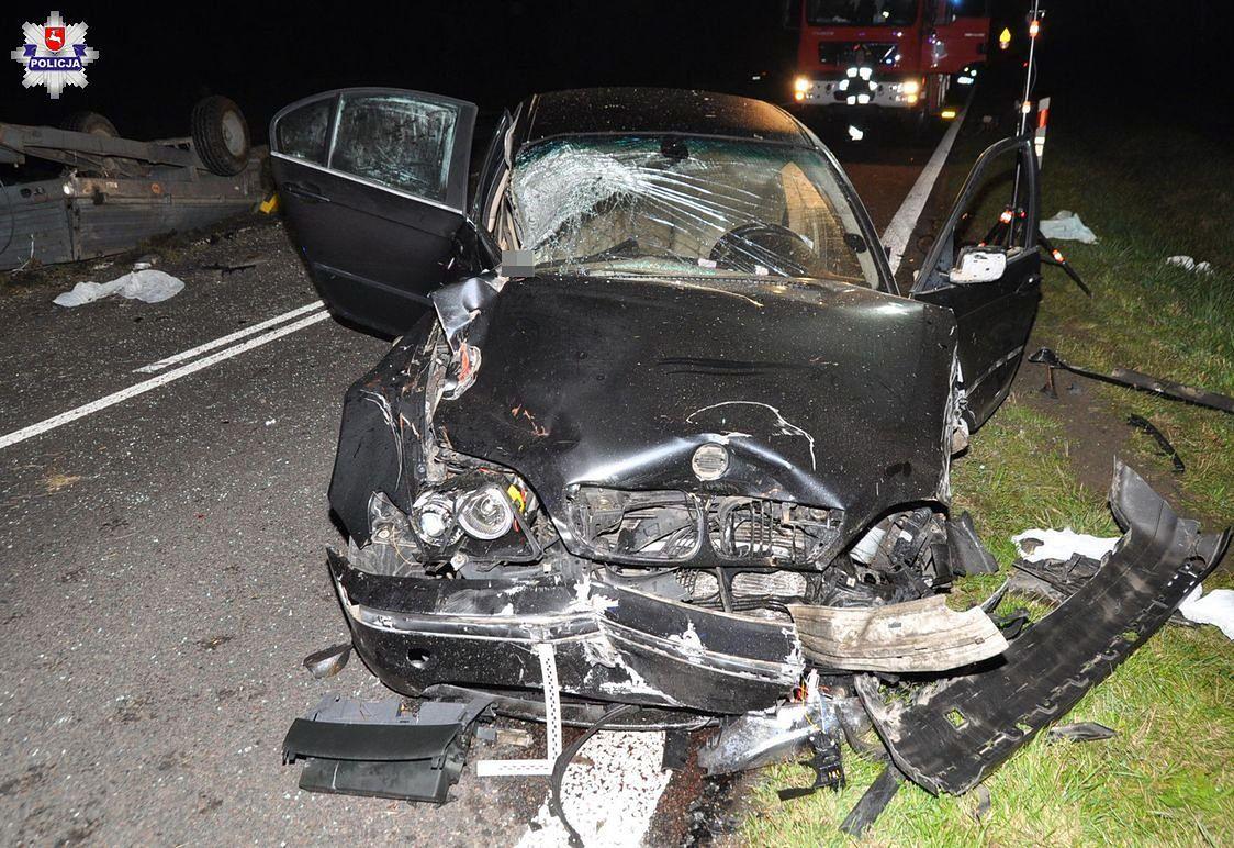 W wypadku brały udział trzy samochody i ciągnik.