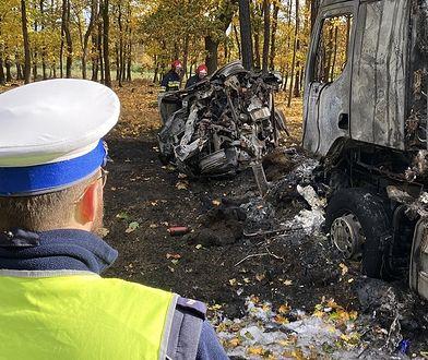 Tragiczny finał policyjnego pościgu pod Poznaniem. Nie żyją trzy osoby