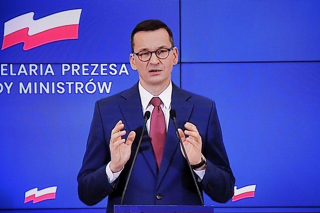Koronawirus. Mateusz Morawiecki na Stadionie Narodowym. Konferencja premiera (NA ŻYWO)