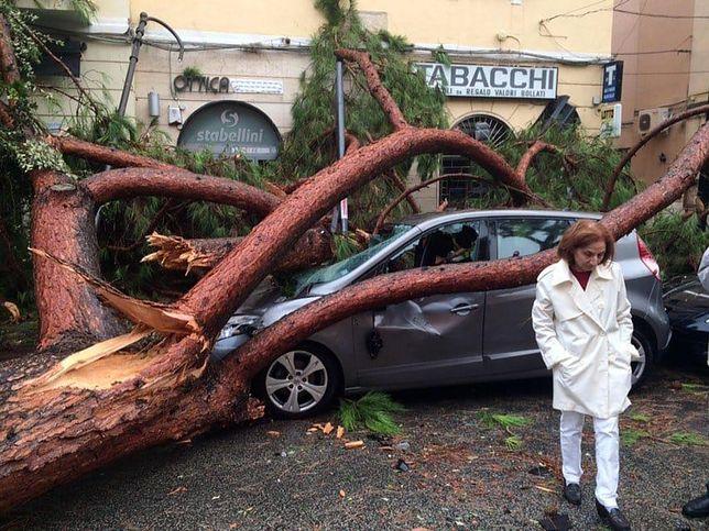 Silne burze i wiatry niszczą Włochy. Siedem osób nie żyje, jest wielu rannych