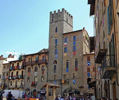 Zabytki włoskiego Arezzo w Toskanii