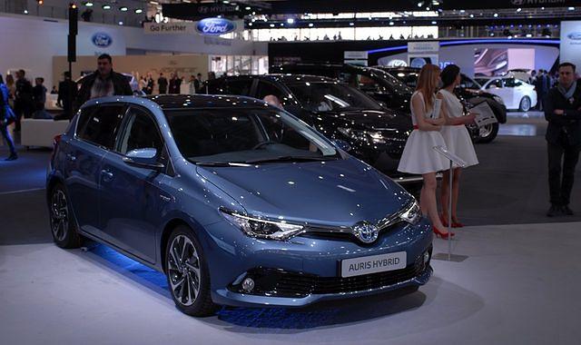 Toyota Auris Hybrid w przedsprzedaży za 79 900 zł