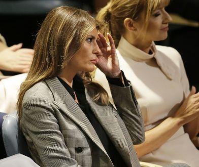 Melania Trump w kraciastym garniturze. Tak się ubierają kobiety sukcesu