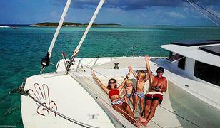 4-osobowa rodzina przemierza morza i oceany na trimaranie