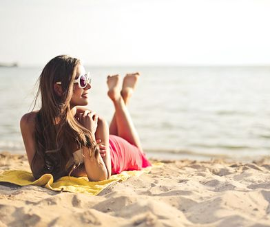 Oparzenia słoneczne. Jak błyskawicznie poradzić sobie z bolesnym problemem?