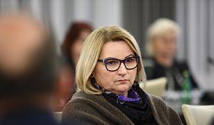 Senator Zdrojewska: policja wzywa moich sąsiadów, domagam się wyjaśnień