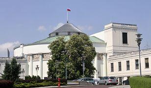 Cięcia budżetowe. Kancelarie Sejmu i Senatu uboższe o miliony złotych