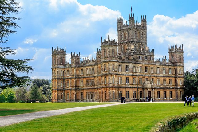"""Zamek z """"Downton Abbey"""". Znajduje się w Anglii i można go zwiedzić"""