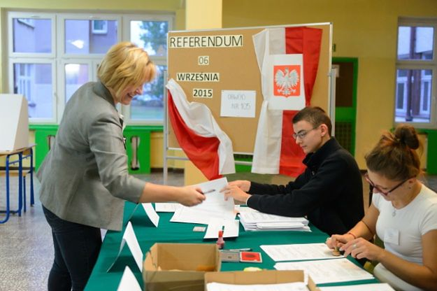 Obwodowa komisja ds. referendum nr 105 w Poznaniu
