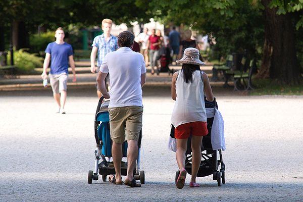 Pół miliona polskich dzieci żyje za granicą